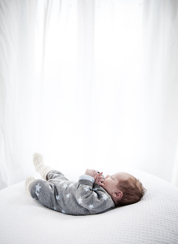 Baby in Collage mit Geburtsinfos © Little Monkey Fotografie, Berlin