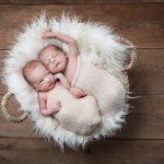 Neugeborenenfotos Zwillinge © Miriam Ellerbrake LITTLE MONKEY Babyfotografie Berlin