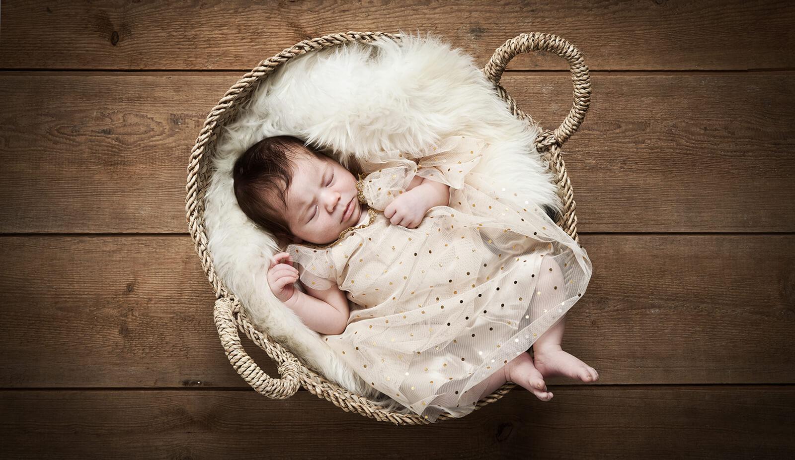 Neugeborenenfotos_Berlin_Babyfotos_Babyfotografie_© Miriam Ellerbrake / Little Monkey