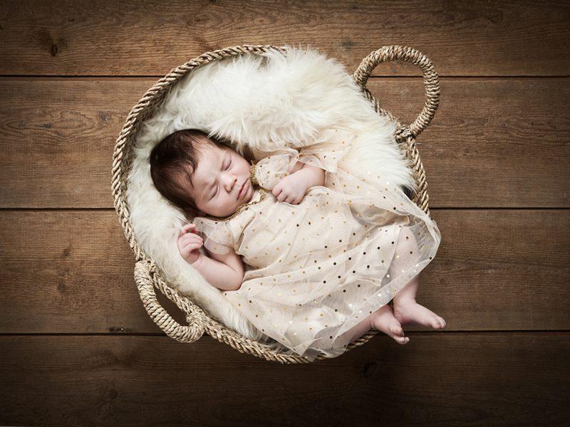 Neugeborenenfoto der Babyfotografin © Miriam Ellerbrake